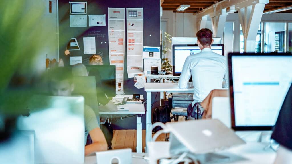 Team We Brand Creative op kantoor