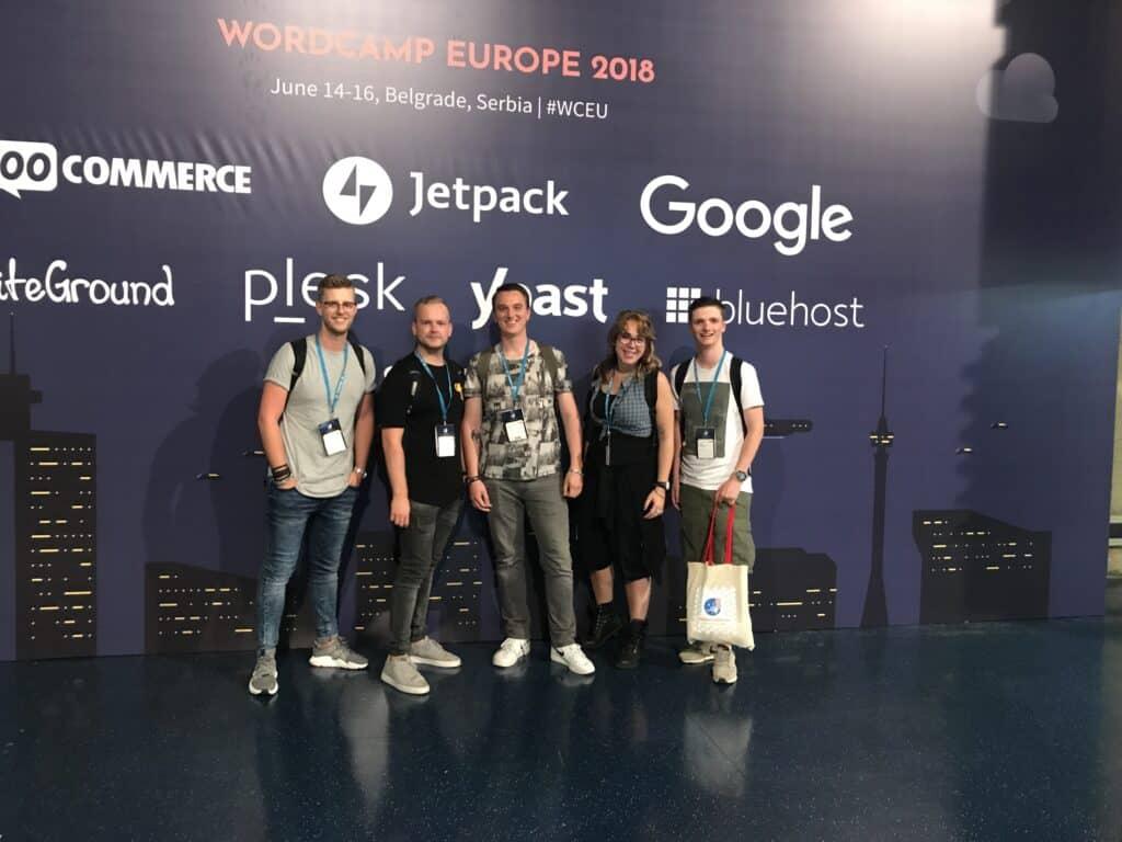 Wouter, Patrick, Barry, Sarah en Kevin tijdens WordCamp 2018